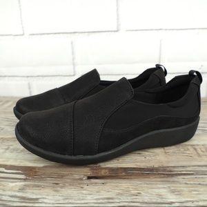 Clarks sz 8 black Sillian Paz comfort slip-on shoe